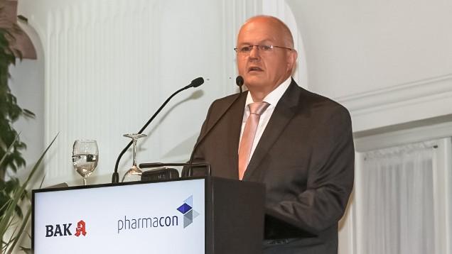 Aus dem Archiv: BAK-Präsident Andreas Kiefer beim Pharmacon in Meran im letzten Jahr. (m / Foto: DAZ)