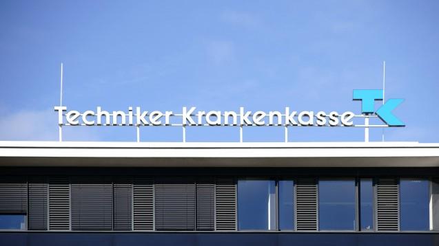 Deutschlands größte Krankenkasse stellt Begründungen bei Sonderkennzeichen infrage. (Foto: imago / Chromorange)