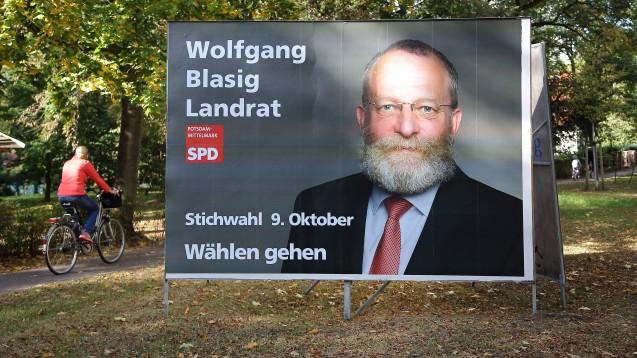 Landrat Wolfgang Blasig (SPD) erwartet, dass die Kommunen die Teststrategie von Bund und Ländern nicht allein stemmen können werden. Helfen sollen unter anderem die Apotheken. (Foto: IMAGO / Martin Müller)