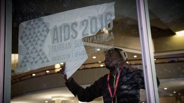 Wie lässt sich die HIV-Epidemie beenden?