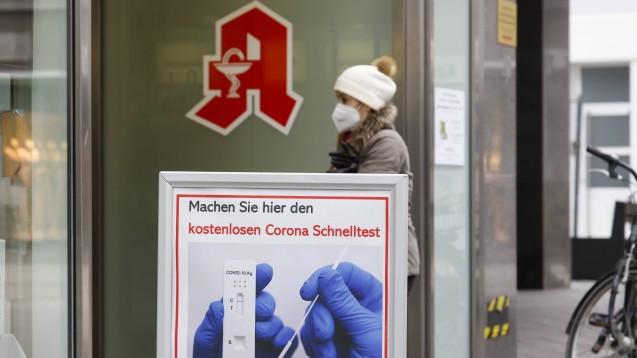 """Was müssen Apotheken beim Angebot von """"Bürgertests"""" beachten? (IMAGO / Rupert Oberhäuser)"""