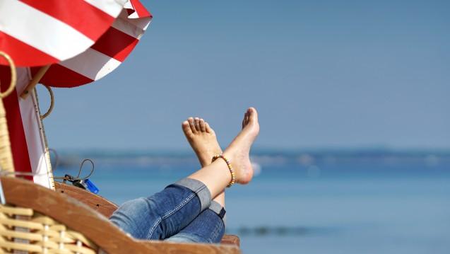 Die Linke will Feiertage, die auf Samstage und Sonntage fallen, unter der Woche nachholen lassen. (Foto: Jenny Sturm / stock.adobe.com)