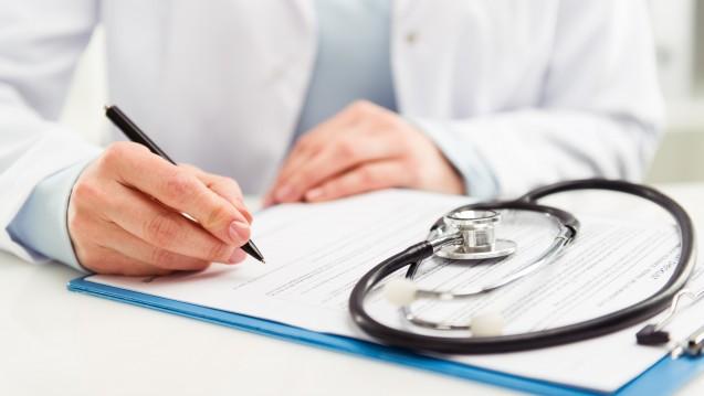 Keine Budgetgrenzen: Der Berufsverband Deutscher Internisten fordert, dass Ärzte den Medikationsplan künftig ohne Budgetgrenze abrechnen können. (Foto: Stasique / Fotolia)