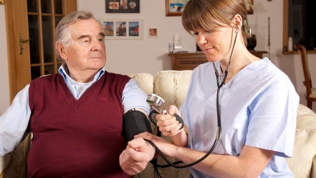 Ist die Blutdruckmessung mit der Oberarm-Manschette nicht genau genug? (Foto:Peter Maszlen / stock.adobe.com)
