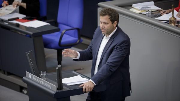 SPD-Generalsekretär Klingbeil: Merkel soll beim Impf-Chaos eingreifen