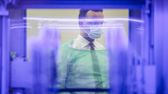 Jens Spahn hat seit heute temporär weitere Befugnisse im Arzneimittelbereich. (m / Foto: imago images / photothek)