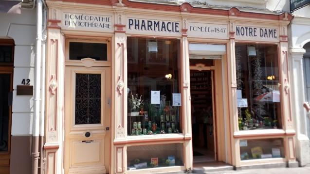 In französischen Apotheken sollen Paracetamol & Co. künftig hinterm HV-Tisch stehen. (Foto: DAZ.online)
