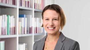 Dr. Carolin Straub (cst)