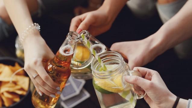 Laut Drogen- und Suchtbericht der Bundesregierung legen immer mehr Frauen ein problematisches Trinkverhalten an den Tag. (Foto:Yeko Photo Studio / Fotolia)