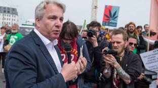 SPD Berlin diskutiert über Cannabis-Abgabe in Apotheken