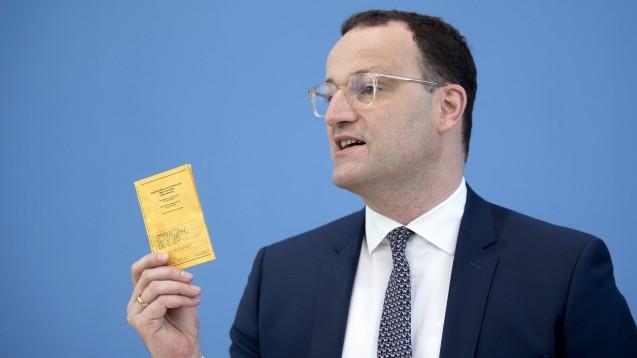 Bundesgesundheitsminister Spahn will die Vergütung für das Erstellen digitaler Impfzertifikate um satte zwei Drittel kürzen. (c / Foto: IMAGO / IPON)