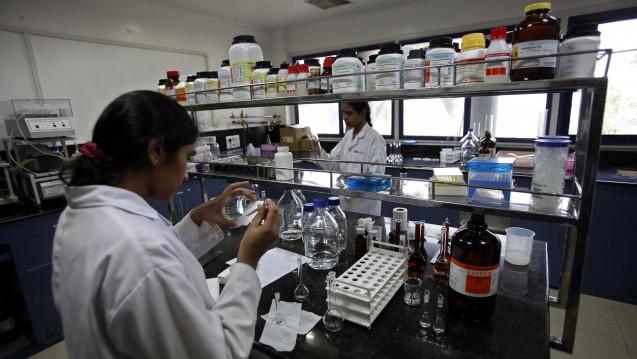 Pharmaherstellung im indischen Hyderabad – sorgen sie für die Ausbreitung multiresistenter Keime? (Foto: dpa)