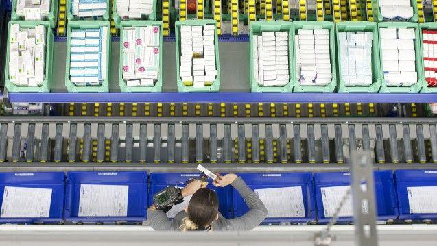 Der 70-Cent-Festzuschlag der Großhändler ist nach dem BGH-Urteil fü den Wettbewerb freigegeben. Das Bundesgesundheitsministerium will das nun offenbar wieder ändern. (Foto: Noweda)