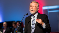 Lutz Engelen sieht den Sicherstellungsauftrag als Plan B zum Rx-Versandverbot.