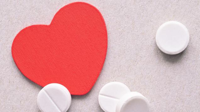 Unterschiedliche Wirkung bei Frauen und Männern? Die Europäische Gesellschaft für Kardiologie fordert Dosisanpassungen für Frauen bei Herz-Kreislauf-Medikamenten. (Foto: nikavera / fotolia)