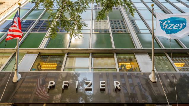 Der Biosimilar-Markt in Europa unterscheidet sich von dem in den USA. Auf dem Bild ist die Zentrale von Pfizer in New York zu sehen. (Foto: Imago / Pacific Press Agency)