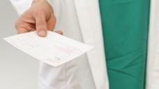 Pomalidomid muss auf einem speziellen Rezeptformular, dem T-Rezept, verordnet werden. (Foto: cirquedesprit / Fotolia)