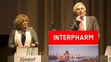 Dr. Ilse Zündorf und Prof. Dr. Theodor Dingermann: Eine Schutzimpfung ist nicht nur Privatangelegenheit (Foto: Schelbert/DAZ).