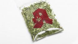 Sollte es bald Cannabis-Testprojekte in Apotheken geben? Die ABDA meint: Nein! Allerdings werde man an Lösungen mitarbeiten, wenn es dazu kommt. (Foto: Imago)