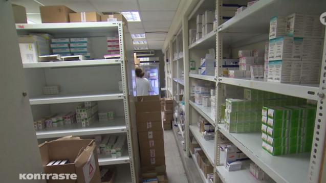 In einer griechischen Klinik sollen jahrelang Krebsarzneimittel gestohlen und nach Deutschland verkauft worden sein. Das hat das ARD-Magazin Kontraste recherchiert. (m / Foto: Screenshot ARD)