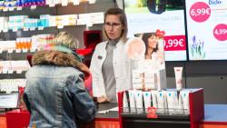 Laut einem aktuellen Review ist die positive Auswirkung der apothekerlichen Beratung auf die öffentliche Gesundheit nachgewiesen. (Foto: Imago)