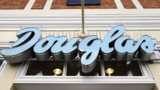 Warum sucht die Parfümeriekette Douglas Apotheker? (Foto: imago)