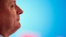 Wie geht es weiter, Herr Gröhe? Bundesgesundheitsminister Hermann Gröhe (CDU) attackiert die SPD weiterhin dafür, dass sie das Rx-Versandverbot blockiert. Welche Ziele verfolgt der Minister? (Foto: dpa)