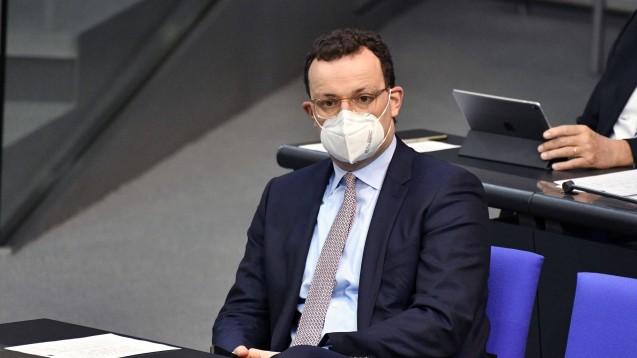 Bundesgesundheitsminister Spahn plant, die Vergütung der Apotheken für die Ausgabe von Schutzmasken zu kürzen. (Foto: IMAGO / Future Image)