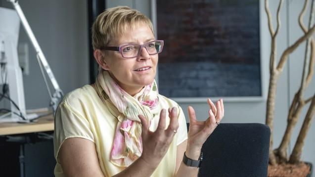Klare Kante: SPD-Apothekenexpertin Sabine Dittmar will den Rx-Versand weiterhin erhalten, die Apotheker aber auch stärker in den Medikationsplan einbinden und ein vergütetes Medikationsmanagement einführen. (Foto: Külker)