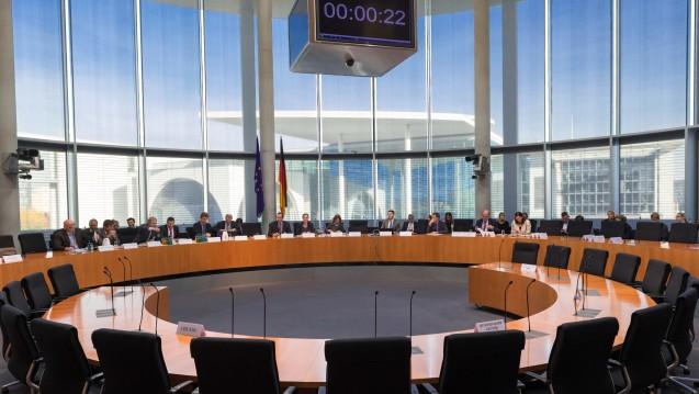 Viele bekannte Gesichter wird der neue Gesundheitsausschuss im Bundestag voraussichtlich haben. (Foto: Picture Alliance)