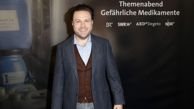 Vertrauen in Apotheker: Filmemacher Daniel Harrich stellte am vergangenen Freitag in Berlin seinen neuen Film zum Thema Arzneimittelfälschungen vor. (Foto: dpa)