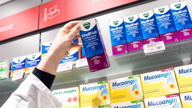 Die Nachfrage bei rezeptfreien Arzneien ist im März vor allem bei Paracetamol-haltigen Mitteln und Vitaminpräparaten viel höher gewesen als sonst.(Foto: imago images / Uwe Steinert)
