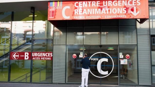 Eingang der Notaufnahme der Uniklinik Rennes, wo ein Proband der Studie zu BIA 10-2474 starb und fünf weitere eingewiesen wurden. (Foto: picture alliance / dpa)