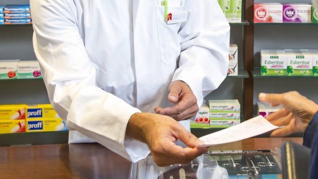 In Thüringen muss sich ein Apothekerehepaar und eine Mitarbeiterin wegen mutmaßlichen Rezeptbetrugs vor Gericht verantworten. (Foto: imago images / J. Tack)