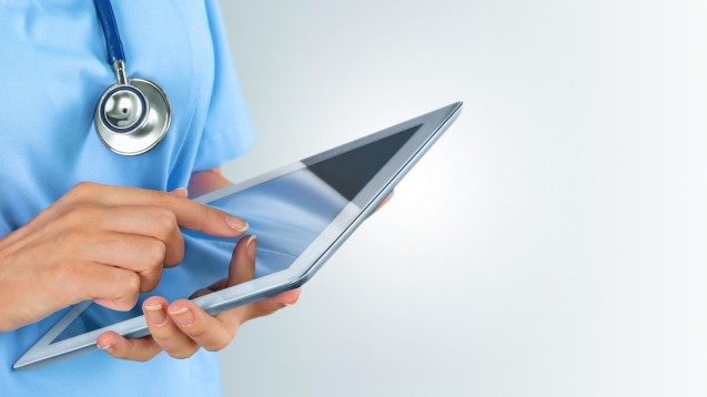 Per Apps in Kontakt mit Ärzten: Pharmafirmen nutzen neue Wege. (Foto: BillionPhotos.com / Fotolia)