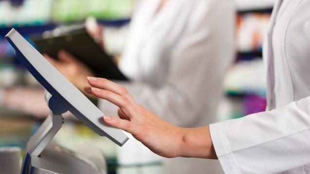 Laut einer Schätzung des Statistischen Bundesamtes sind die Einzelhandelsumsätze im vergangenen Jahr deutlich gewachsen, der Apothekenbereich entwickelte sich jedoch unterdurchschnittlich. (Foto: Kzenon/stock.adobe.com)