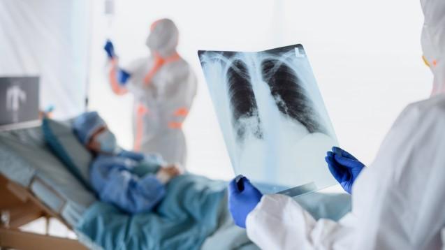 Könnten sekundär durch COVID-19 auch neue Krankheitsbilder entstehen? (x / Foto: Halfpoint / stock.adobe.com)
