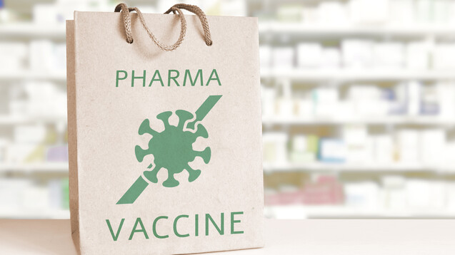 Knapp die Hälfte der Apotheker und Apothekerinnen ist nach den Ergebnissen unserer nicht repräsentativen Umfrage bereit, in der Apotheke gegen COVID-19 zu impfen. (Foto:JuanCi Studio / AdobeStock)