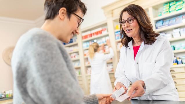 Während der Pandemie ist der neue Arzneiversorgungsvertrag zwischen dem Verband der Ersatzkassen (vdek) und dem Deutschen Apothekerverband für den Apothekenalltag derzeit nur begrenzt relevant. (Foto: ABDA)