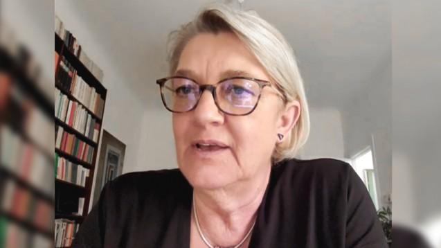 Individuelle Beratung ist durch keine KI zu ersetzen, meint die Grünen-Abgeordnete Kordula Schulz-Asche. (Screenshot: DAZ.online)