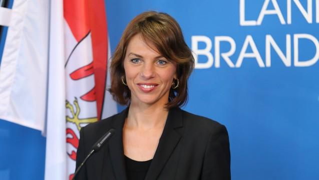 Brandenburgs Gesundheitsministerin Susanna Karawanskij äußert sich zurückhaltend zur aktuellen Apothekenpolitik, favorisiert jedoch das Rx-Versandverbot. ( r / Bild: Apothekerkammer Brandenburg)