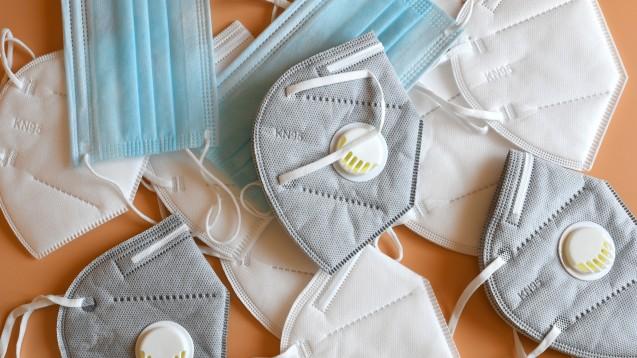 Wichtig ist nicht nur der Unterschied zwischen OP- und Atemschutzmasken, sondern auch der Unterschied in der Kennzeichnung von FFP2- oder KN95-Standard. Außerdem bieten Masken mit Ventil keinen Fremdschutz. (p / Foto: Dan74 / stock.adobe.com)