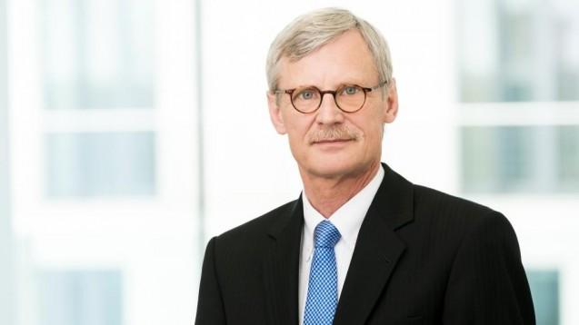 Dr. Thomas Kriedel, Vorstandsmitglied der KBV, erklärt im Interview unter anderem, warum die Mediziner ein einheitliches E-Verordnungsmodell bevorzugen.(Foto: KBV)