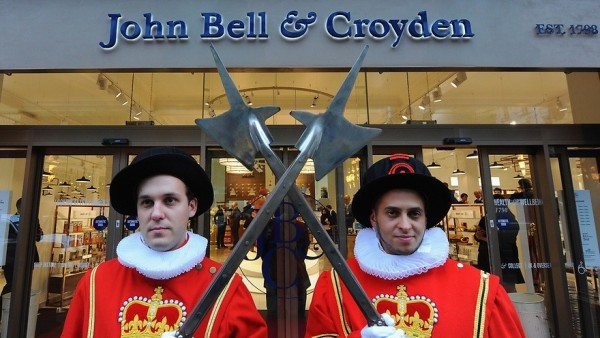 John Bell & Croyden-Apotheke mit Ärztebox