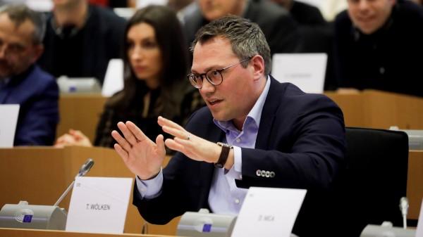 EU-Abgeordneter positioniert sich kritisch zum Parallelhandel