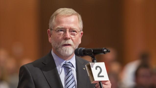 Tja, so ist Demokratie! Lutz Engelen, Präsident der Apothekerkammer Nordrhein, verteidigte zwar den Haushaltsentwurf der ABDA, musste dann aber zusehen, wie seine Kammer dagegen stimmte. (Foto: Schelbert)