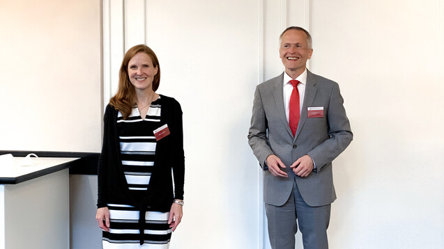 Die neue und alte Vizepräsidentin der LAK Baden-Württemberg, Silke Laubscher, und der neue Kammerpräsident Dr. Martin Braun. (Foto: DAZ)
