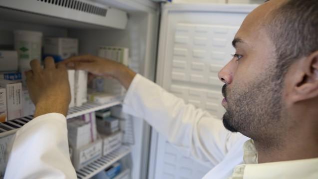 Der Austausch von Biosimilars in der Apotheke soll nicht im GSAV geregelt werden. ( r / Foto: DAZ.online)