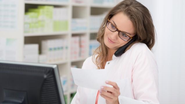 Die epidemische Lage von nationaler Tragweite macht es möglich: Ärzte können flexibler verordnen, Apotheker flexibler abgeben. (c / Foto: contrastwerkstatt / Stock.adobe.com)