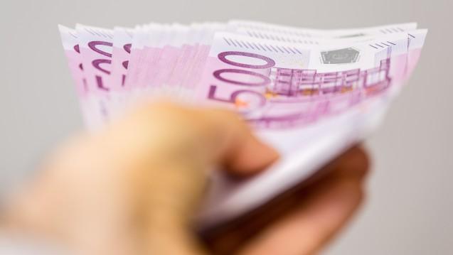 Es fließt viel Geld zwischen Pharmaunternehmen. (Foto: vege / Fotolia)